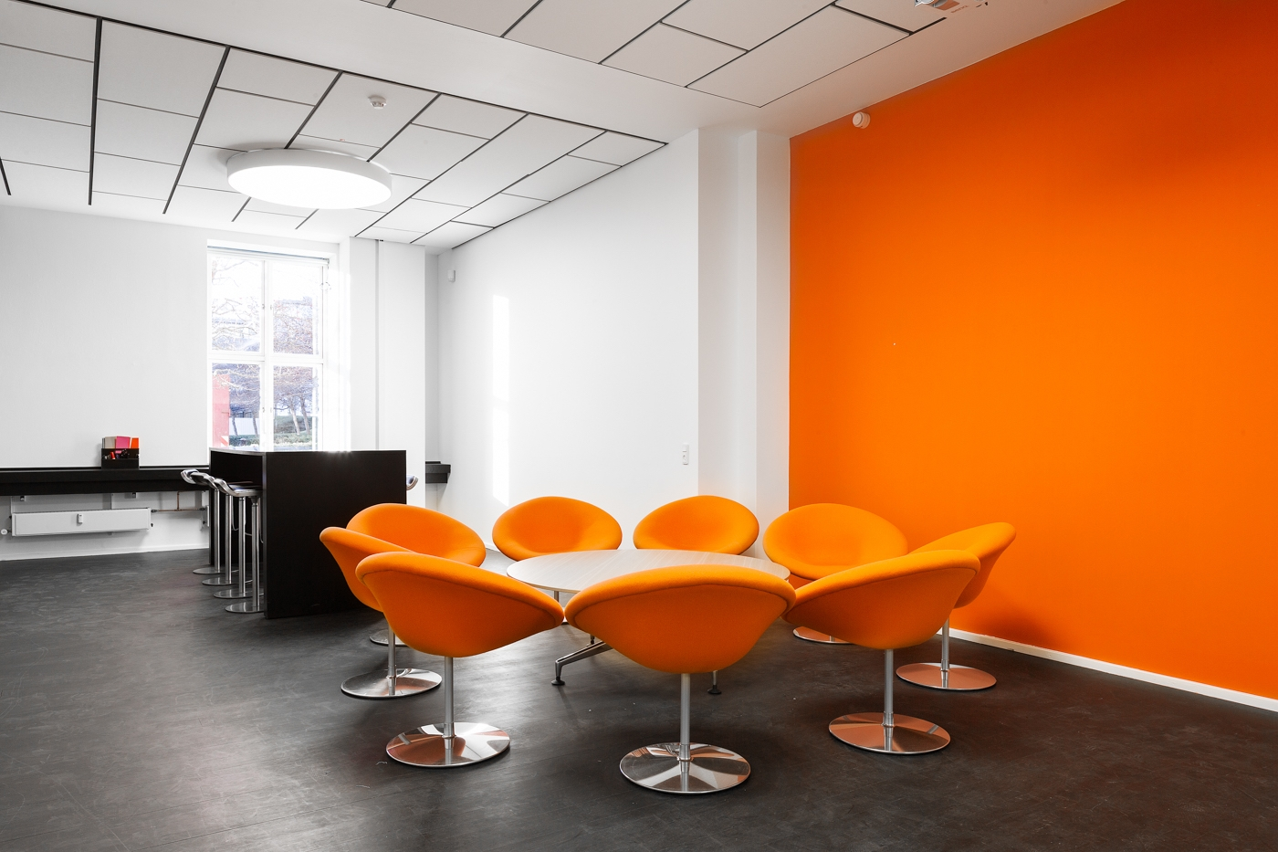 Domicil – Implement Consulting Group, Strandvejen 56 (indretning, orange)