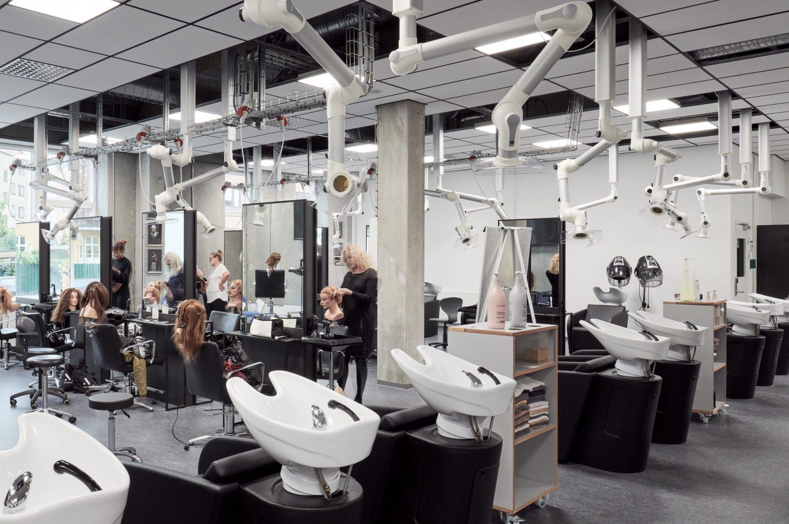 Frisørskolen Next (frisørstationer og vaskestole), Rentemestervej 17, København