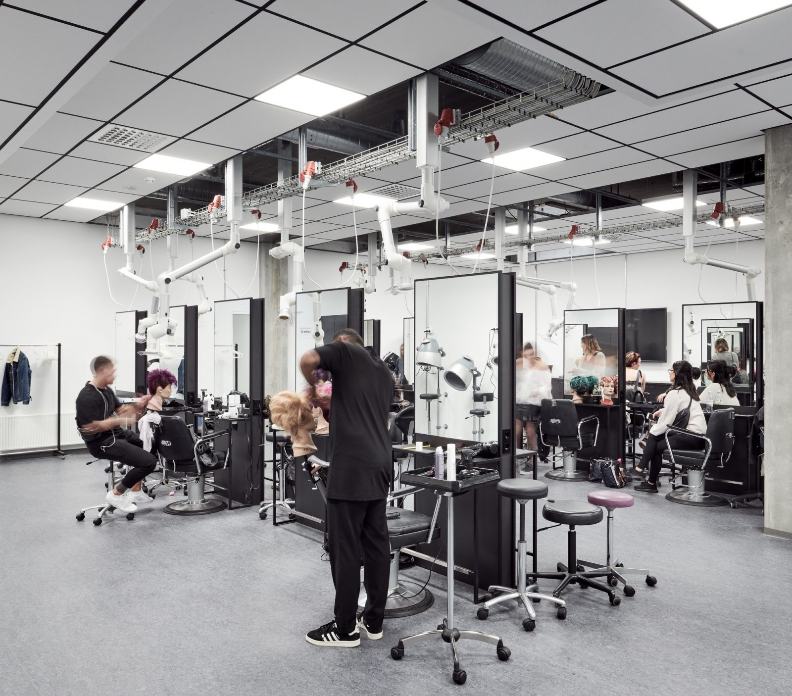 Frisørskolen Next (frisørstationer), Rentemestervej 17, København