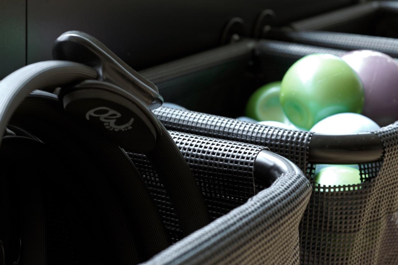 WellCome Fitness Center: Inventar til opbevaring af udstyr til multisal & yoga-/pilatessal (store kurve)