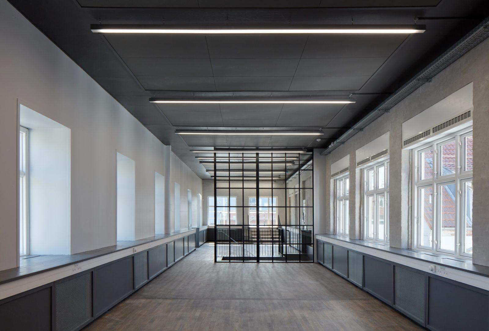 Ombygning af industribygninger til kontorer: Dortheavej 10 og 12